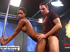 Muy caliente masaje video de la Serie videos caseros porno con maduras