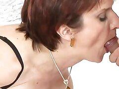 Un cinturón de cuero le sexo casero maduras xxx gustará a un hombre como ella.