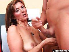 Sexo anal maduras xxx caseros Katie Gold