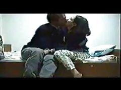 Chupar mujeres maduras en videos caseros da Buzz y Toby