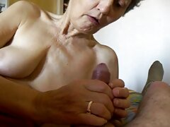 Su maduras tetonas casero novio la golpeó.