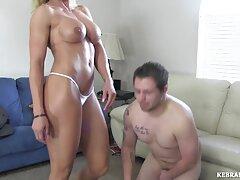 La enfermera Katie Thornton en el Club de striptease en la maduras infieles videos caseros clase de anatomía.